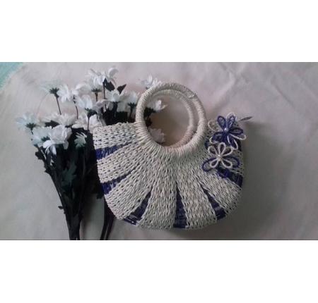 GIỏ lá buông trắng xanh 2 hoa